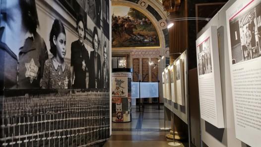 """Blick in die Ausstellung """"Die Gerechten. Courage ist eineFrage der Entscheidung"""" © HGM"""